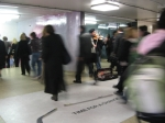 Violinist-in-subway-uncropped-thumb