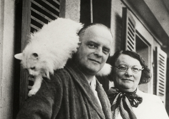 Paul Klee, his wife Lily, and their cat Bimbo.