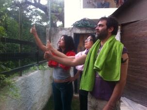 Συνεργάτες του dim/art δοκιμάζουν την τύχη τους στο διαγαλαξιακό οτοστόπ, ανήμερα της Towel Day