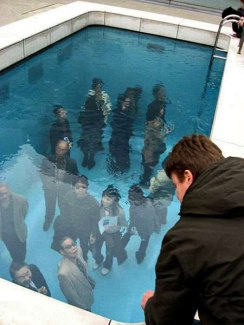 fake-swimming-pool-illusion-leandro-erlich-1