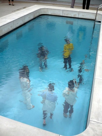 fake-swimming-pool-illusion-leandro-erlich-8