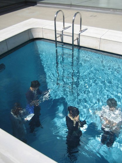 fake-swimming-pool-illusion-leandro-erlich-9