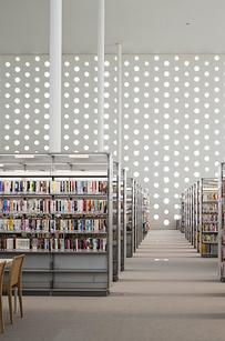 32 Kanazawa Umimirai Library — Kanazawa City, Japan b