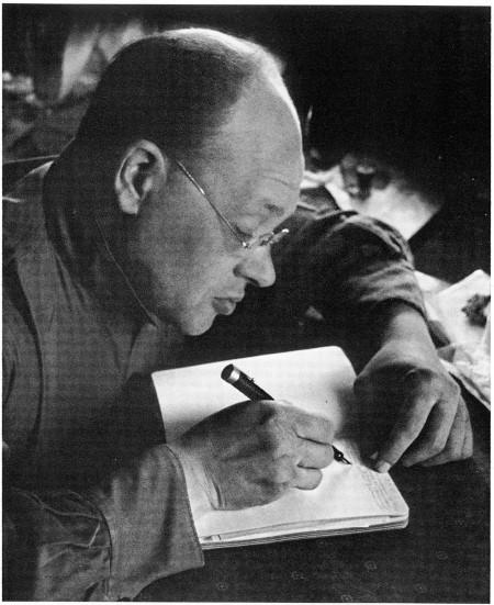 Ισαάκ Μπάμπελ 1933. Φωτό: Γκεόργκι Πετρούσοφ