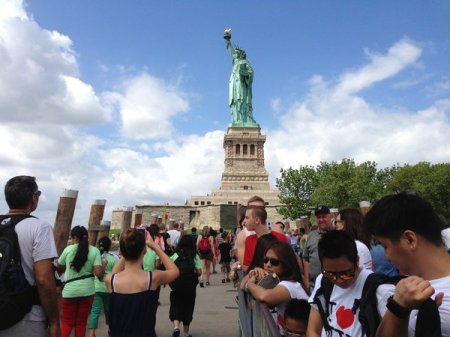 statue-of-liberty-reopens