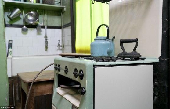 Η σημερινή υπερσύγχρονη κουζίνα καταλαμβάνει μεγάλο χώρο. Το 1920 όμως ένας μικρός φούρνος αρκούσε για να ταϊστεί μια ολόκληρη οικογένεια.