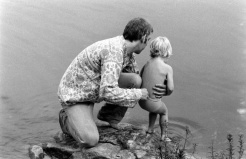 Donald Sutherland with his son, Kiefer, in 1970