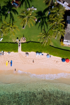 kauai-beach-with-grass