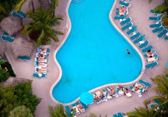 miami-curvy-pool