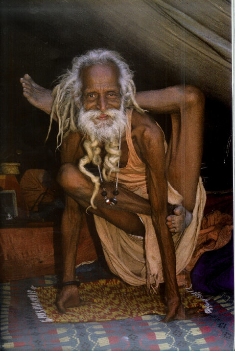 https://dimartblog.files.wordpress.com/2013/08/yogi-annelies-rigter1.jpg