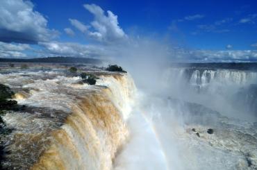 1_iguazu_falls_brazil_2010