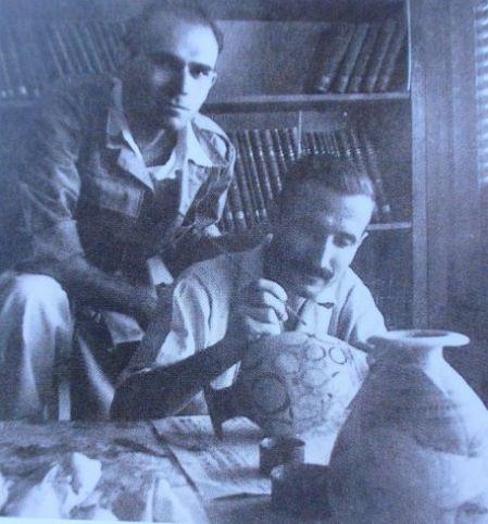 Ο Αλεξίου με τον φίλο του ζωγράφο Θωμά Φανουράκη