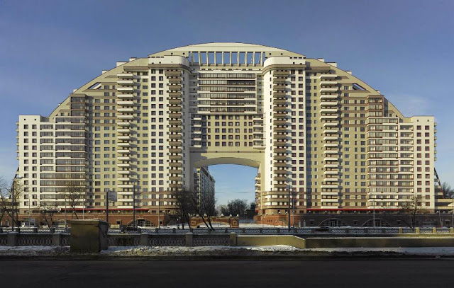 frank-herfort-modern-moscow-architecture-arco-di-sole-moscow-2010