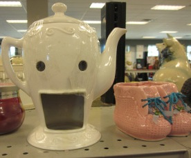 emo-teapot-is-happy