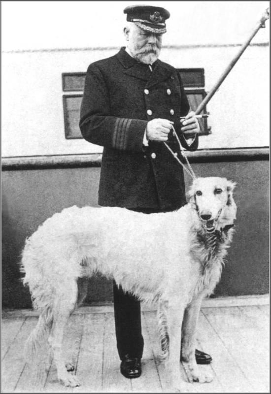 Ο πλοίαρχος του Τιτανικού Edward Smith με το Irish Wolfhound του, το οποίο δεν είχε πάρει μαζί στο ταξίδι κι έτσι σώθηκε.
