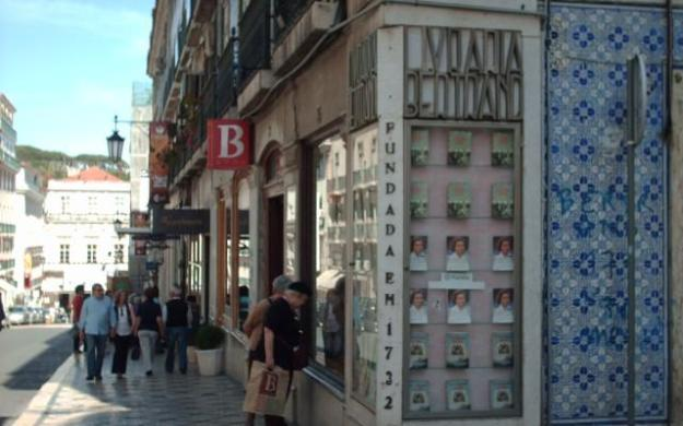 Bertrand-corner