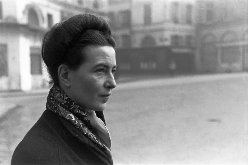 CARTIER-BRESSON_1945_Simone_de_Beauvoir
