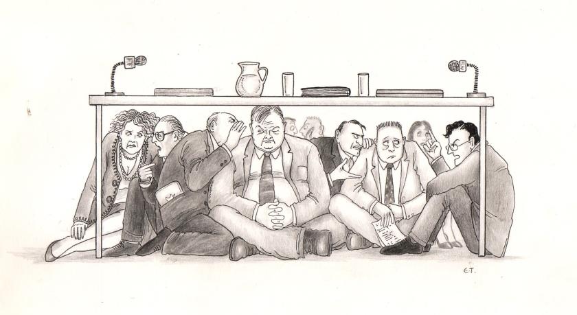 Ανεπίσημες συζητήσεις κάτω από το τραπέζι