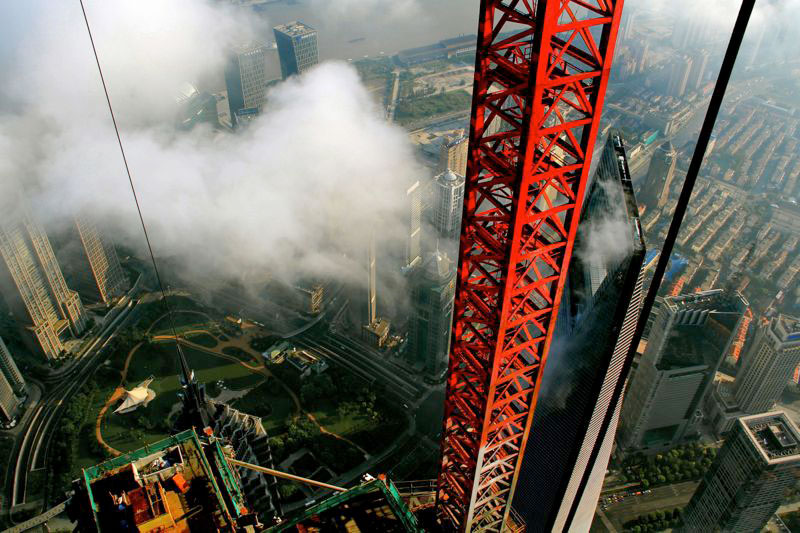 crane-operator-wei-genshen-photos-of-shanghai-from-above-7