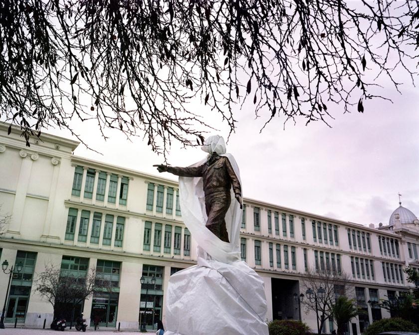 Υπό κατασκευήν άγαλμα του Αλέξανδρου Παναγούλη