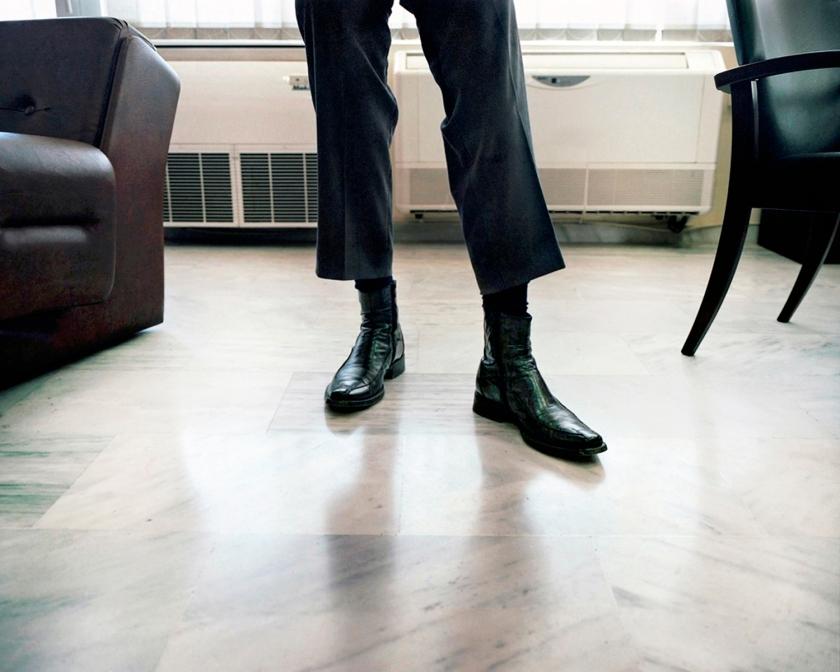 Παπούτσια εφοριακού, κεντρική Εφορία