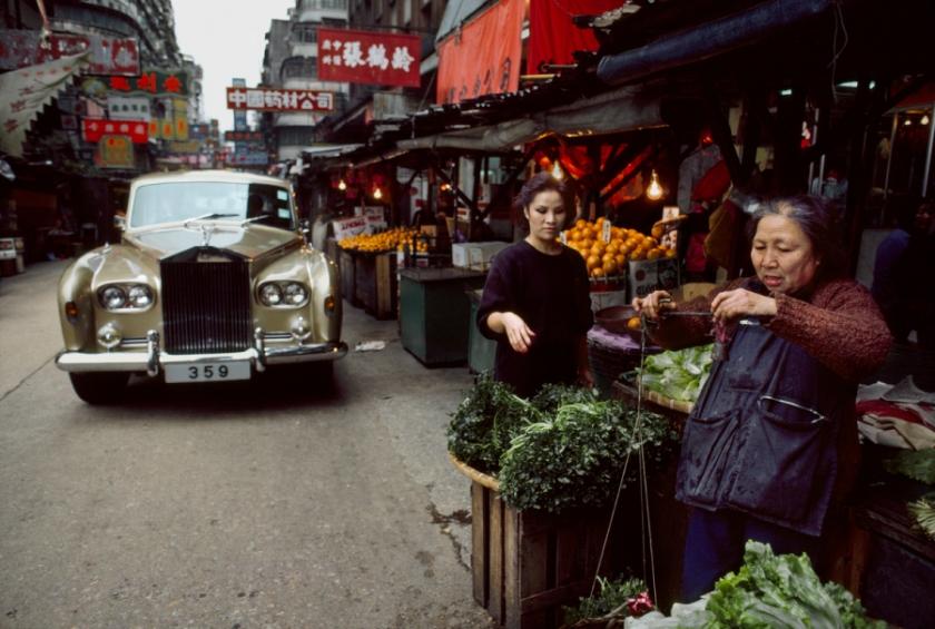 00116_03, Hong Kong, China, 1985. CHINA-10041. Women in a market in China.