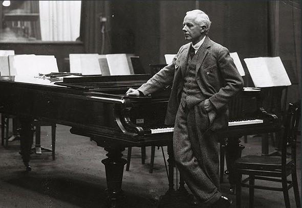 Bela-Bartok-at-the-piano-credit-rodosto.hu_