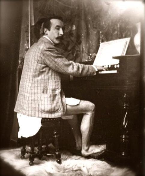 gauguin-plays