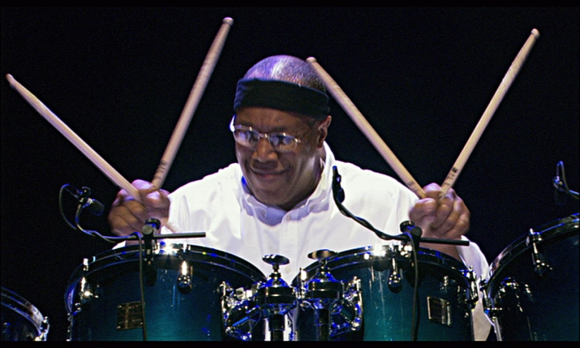 Billy Cobham:A Funky Thide ofSings