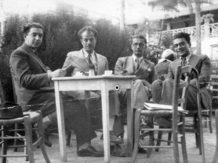 Από αριστερά: Θράσος Καστανάκης, Στράτης Μυριβήλης, Άγγελος Τερζάκης, Ηλίας Βενέζης