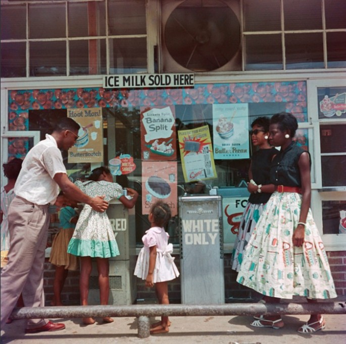 Gordon-Parks-Segregation-Series-4-685x682