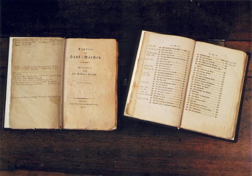 GRIMMS 1st editions με χειρόγραφες σημειώσεις των ίδιων.