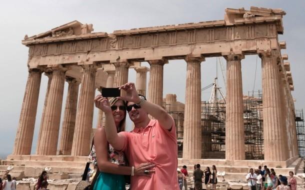 selfie-vor-der-akropolis-die-brieftasche-soll-dann-eng-am-koerper-getragen-werden-um-taschendieben-keine-gelegenheit-zu-bieten