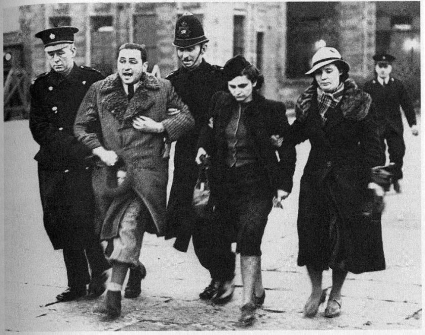 973px-Jewish_refugees_at_Croydon_airport_1939