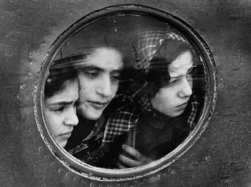 Estate_of_Ruth_Orkin_Jewish_Refugees_at_Lydda_Airport_Tel_Aviv_1951c_20_2089_41