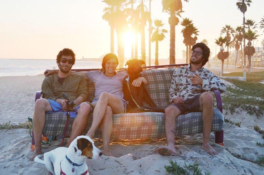 three-friends-two-dogs-one-futon-roadtrip-photos-12