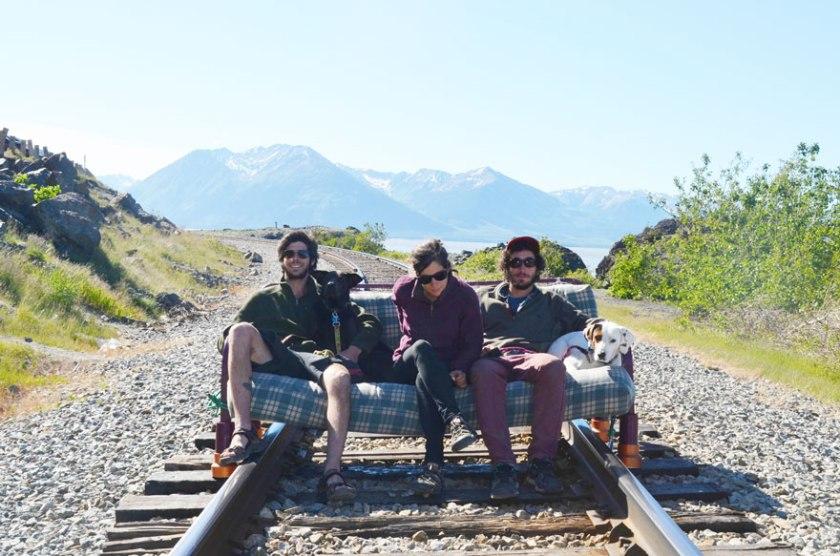 three-friends-two-dogs-one-futon-roadtrip-photos-15