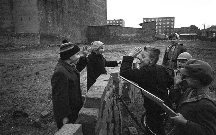 berlin-wall-1962-k_3097099k