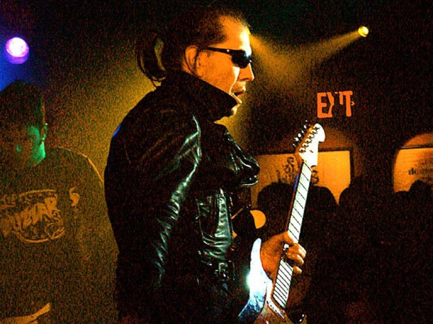 Link_Wray_-_3-8-03_Photo_by_Anthony_Pepitone
