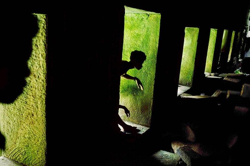 oltre-lo-sguardo-portrait-photography-steve-mccurry-10