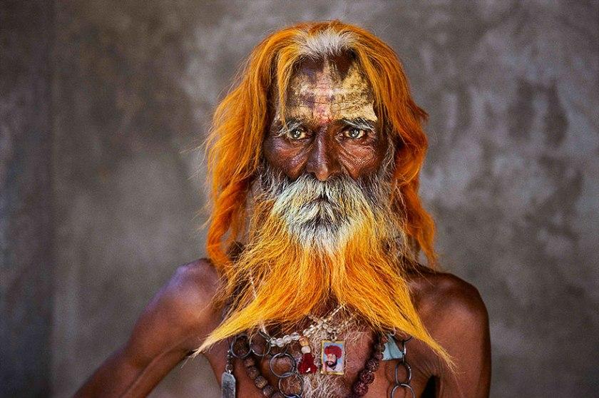 oltre-lo-sguardo-portrait-photography-steve-mccurry-13