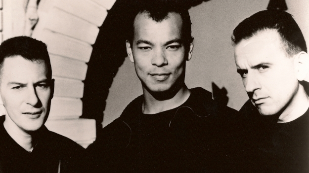 fine_young_cannibals_she_drives_me_crazy_single_remix