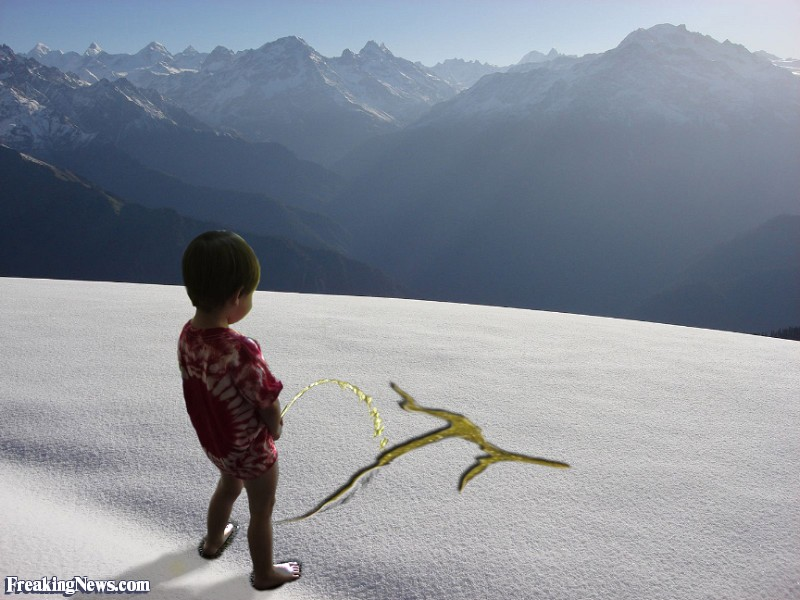 Little-Boy-Peeing-the-Pi-Symbol-in-Snow--84067