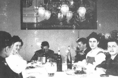 Οικογενειακό δείπνο, ο Λούντβιχ δεξιά