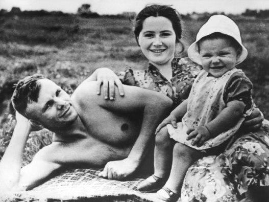 Yuri-Gagarin-famil_1869841a