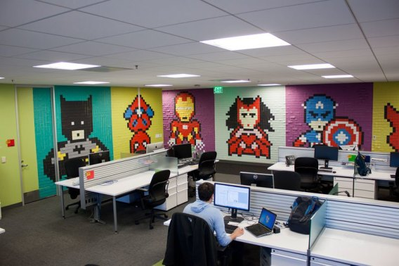 employee-uses-post-its-to-turn-drab-office-walls-into-giant-superhero-murals-15