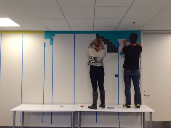 employee-uses-post-its-to-turn-drab-office-walls-into-giant-superhero-murals-5