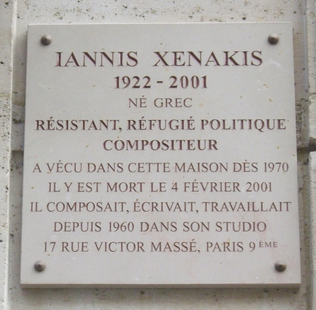 Plaque_Iannis_Xenakis,_9_rue_Chaptal,_Paris_9