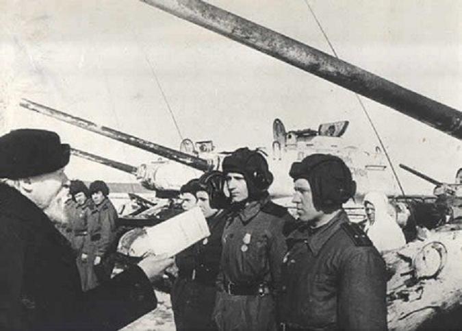 patriarch-sergei-blesses-dmitri-donskoi-brigade