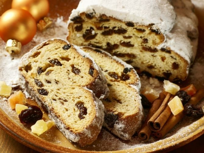 20111127_Stollen-Charity-Cake-Sale